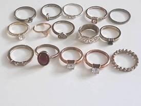 Joblot of vintage rings