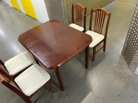 Wooden table + 4 chairs •free delivery