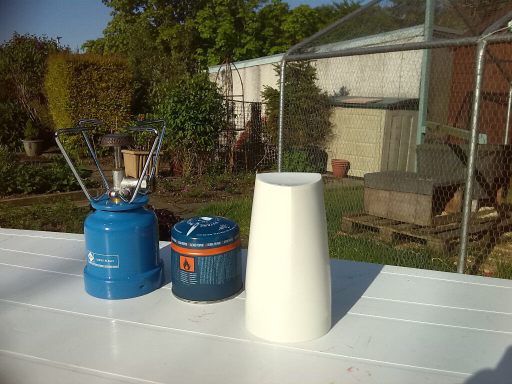 Camping Gaz Super Bleuet Stovein East Kilbride, GlasgowGumtree - Camping Gaz Super Bleuet Camping Stove which takes 190G disposable canister. A white plastic cover fits over the stove when not is use. In very good condition as seldom used. 1 canister fitted plus 1 full refill included in the price