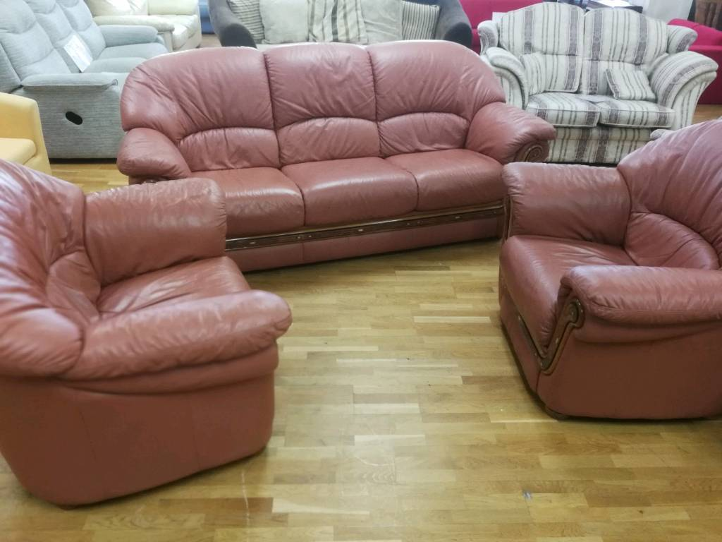 Tan Leather 3 1 Seater Sofas With Wooden Trim In Hamilton South Lanarkshire Gumtree