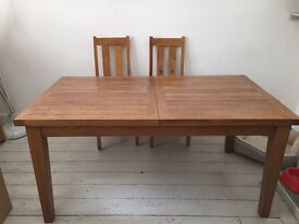 Solid oak extendable table with chairs
