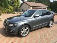 Lovely very low mileage version of this sporty SUV finished in Monsoon Grey metallic paint.