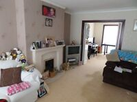 room to let in shared house with the owner