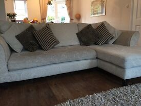 4 Seater right-hand chaise end sofa in cream
