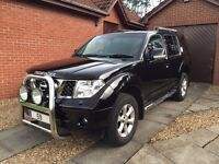 Nissan Pathfinder Tekna Top Spec with Extras
