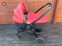 Complet with rain cover carry cot seat unit and isofix bas with car seat