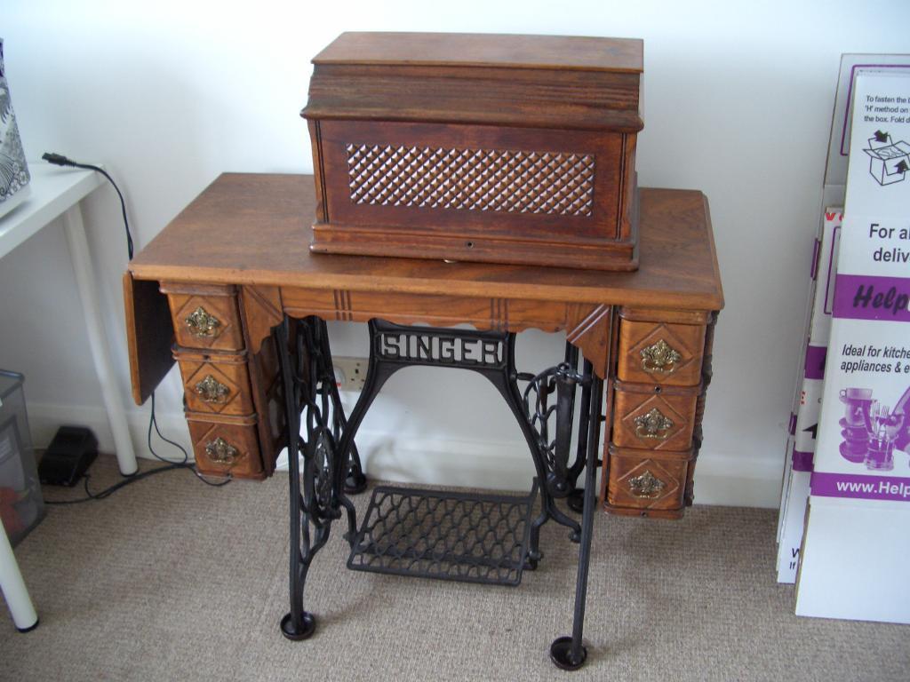 antique 19th century singer sewing machine treadle table. Black Bedroom Furniture Sets. Home Design Ideas