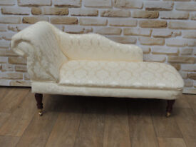 Classic Stylish chaise lounge on castors (Delivery)