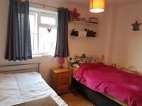 Twin Room for 2 Friends Avail in Fulham