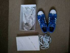 Adidas adicolor trainers size 10 boxed
