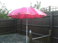 UMBRELLA PARASOL FREE TO COLLECTION – COLLECTION FROM MK6 AREA MILTON KEYNES