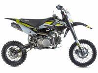 STOMP Z3 140 PIT BIKE, NEW, KIDS MOTORBIKE, CHILDS MOTORBIKE, KIDS DIRT BIKE, MOTOR BIKE.