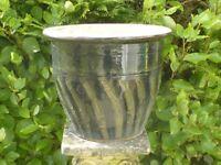 Nice Large Deep Green Swirl Pattern Ceramic Planter Garden Pot 32cm Tall