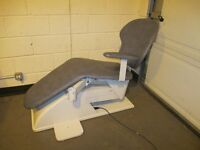 ELECTRIC DENTISTS CHAIR WITH FULL RECLINING AND RISING ACTION SUIT TATTOOIST FREE DELIVERY