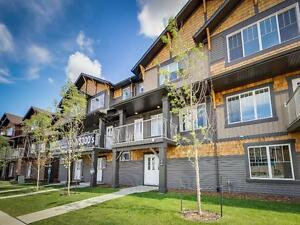 SW Edmonton - *NEW* UPGRADED, ATTACHED 2 CAR GARAGE TOWNHOME