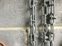 Heavy duty galvanised chain and spike design