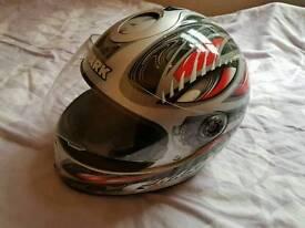 Helmet shark L
