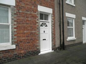 2 Bedroom Mid Terrace House to Let