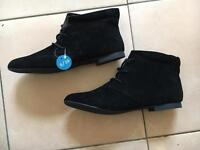 Women's boots size 6 - 1 pair new with tags
