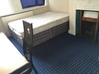 1 bed room available in shared student house, close to transport, university, city centre
