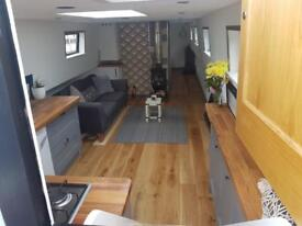 Fully refurbished liveaboard floating home widebeam house boat