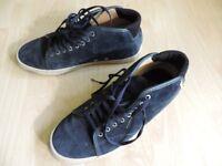 Vans retro skater shoes Size 7 UK (EU 40.5)