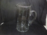 2.5 LTR GLASS JUG IN EXCELLENT CONDITION.25CM HIGH.