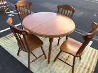 Extendable Pine Table and 8 Chairs (@07752751518)
