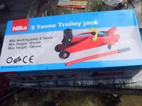 2 TONNE TROLLEY JACK BRAND NEW IN BOX