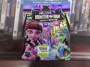 Monster High: Welcome to Monster High [Blu-ray + DVD + Digital HD]