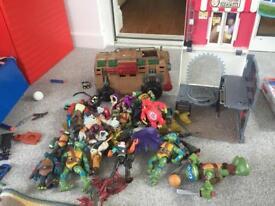 Turtle figures, van and sewer