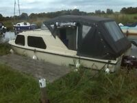 20 FT BUCKINGHAM GRP CABIN BOAT,NEAR NEW ENGINE,NEW HOOD,BOAT SAFETY,READY TO GO, MOORED MARTHAM