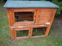 RABBIT HUTCH 36 INCH LONG 32 INCH HIGH 2 FLOORS BEEN USED ONLY £15