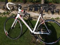 IMMACULATE, IMMACULATE GIANT DEFY BICYCLE USED ONLY ONCE FOR 1 HR.