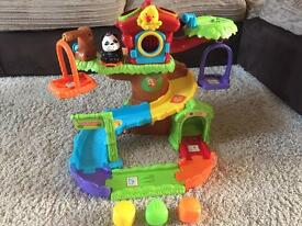 Toot toot animal tree house