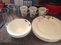 Butterfly plates and Cups set kitchen