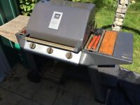 3 burners gas bbq, gas bottle nearly full, complete in good working order