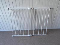 Lindam adjustable stair gates