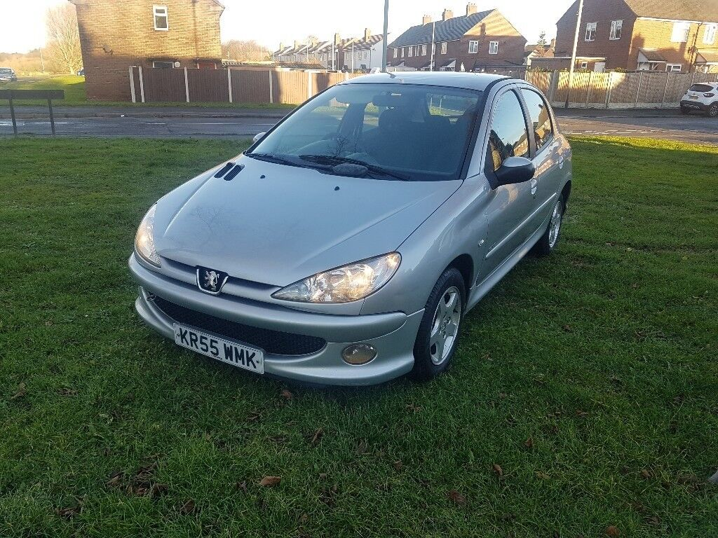 2006 peugeot 206 1.4 just had top end rebuild and cambelt ideal first car  BARGAIN!