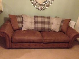 **DFS 4 SEATER SOFA IMMACULATE**