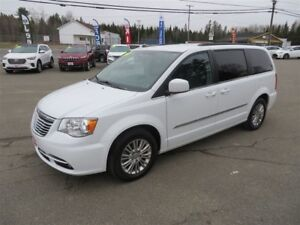2015 Chrysler Town & Country Touring-L NAVIGATION, DUAL DVD ENTE