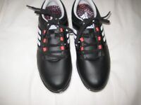 LADIES ADIDAS GOLF SHOES SIZE 5 MEDIUM. BLACK. NEVER WORN STILL IN THE BOX