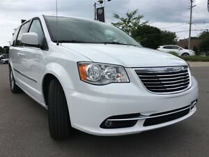 2016 Chrysler Town & Country Touring L Pwr.Sliding Doors|Heated  Peterborough Peterborough Area image 7