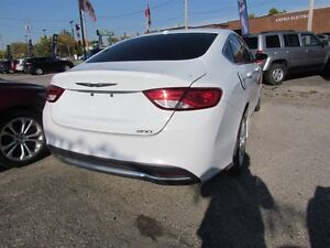 2015 Chrysler 200 Limited   HEATED POWER SEATS London Ontario image 7