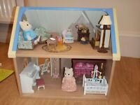 Sylvanian Families Starter House, Furniture and Cat Family