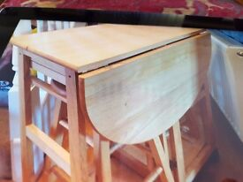 Portable breakfast table fits under table tops