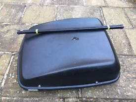Halfords large black roof box with bars, keys and fittings