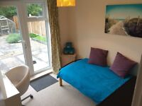 Well presented room in high spec house, patio, parking, near York town