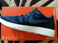 nike lunartempo 2 brand new trainers size 8