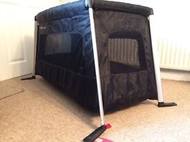 Phil and Teds traveller travel cot
